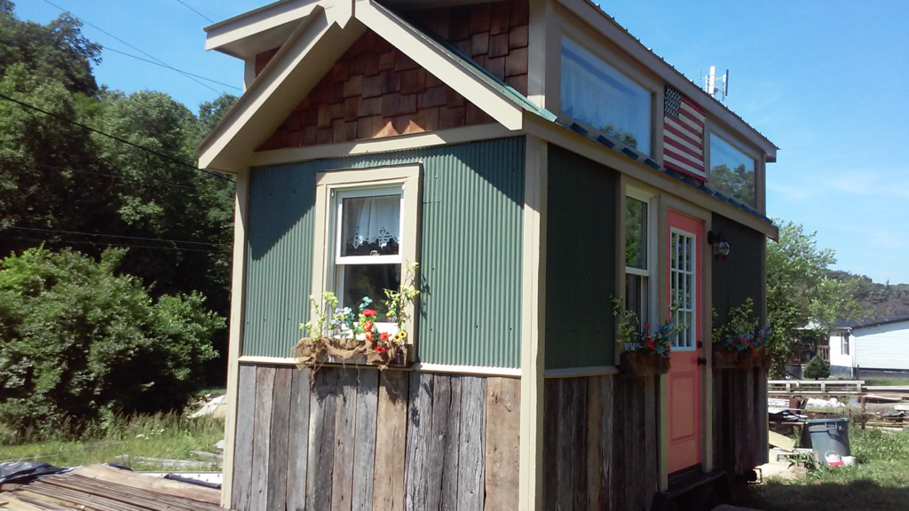 La Tiny house de Randy Jones aux Etats unis. Plus qu'une cabane, cette maisonnette est tout confort !