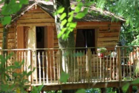 Voici une micro maison : la cabane perchée.