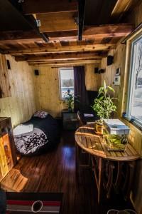 L'intérieur raffiné d'une Tiny house. Photo > Habitations microévolution