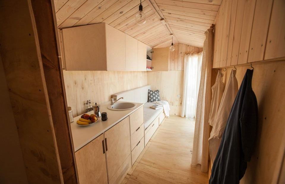 Une tiny house pour une r sidence secondaire tiny house for Micromaisons minimaliste