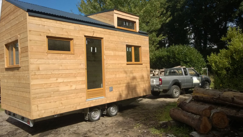 de l 39 arbre la tiny house tiny house. Black Bedroom Furniture Sets. Home Design Ideas